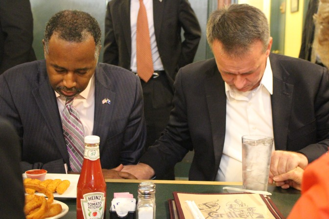 Ben Carson & Rick Martin return thanks for the day's meal.